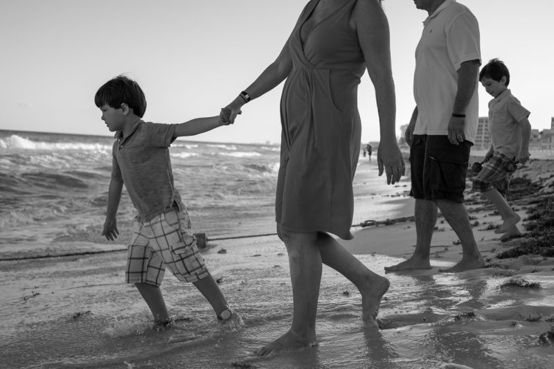 family photos cancun beach