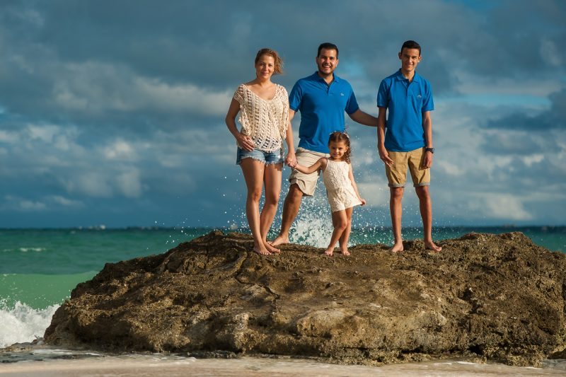 family photos hotel riu cancun