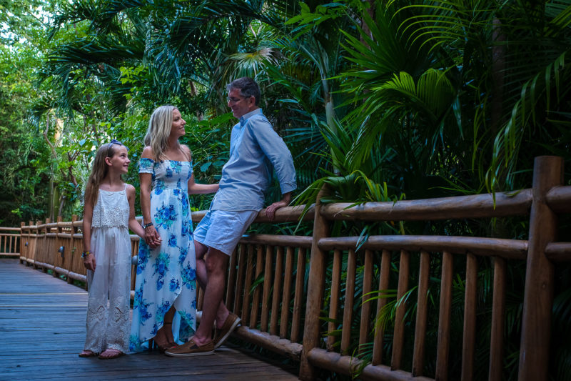 The Luxe at Mayan Palace Family Session