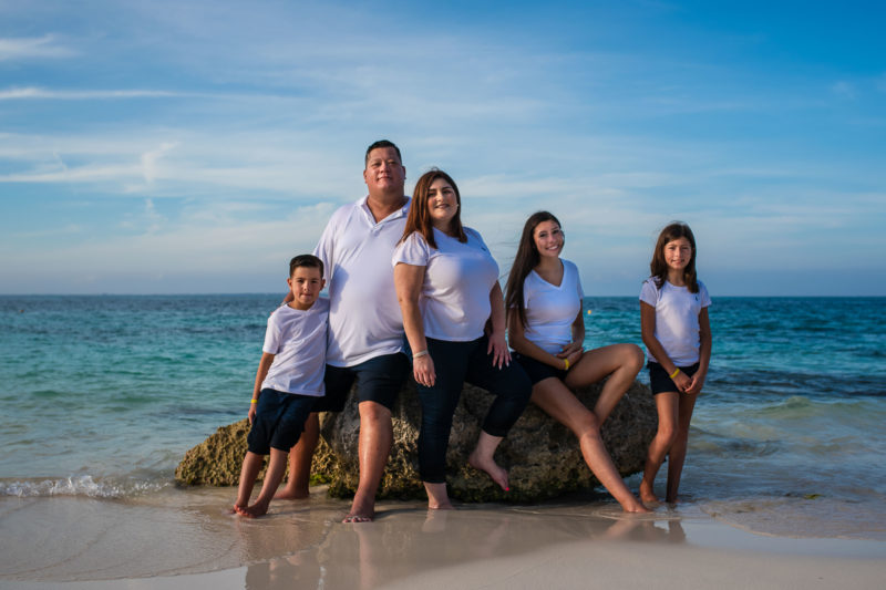 Riu Cancun Family Pictures