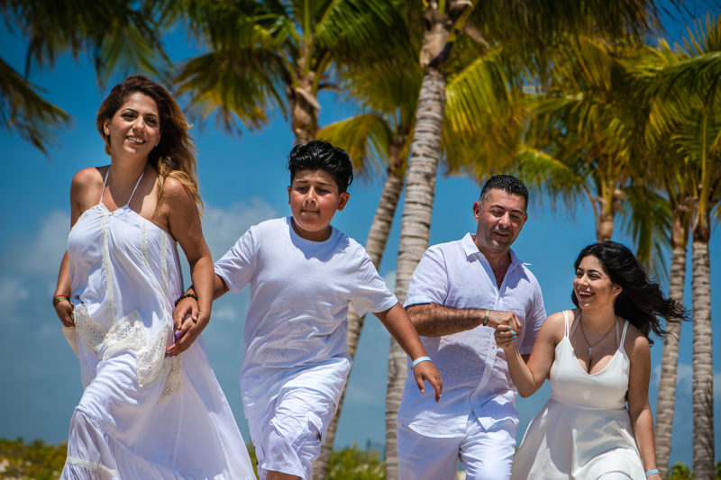 Riu Palace Costa Mujeres Family Photo Session