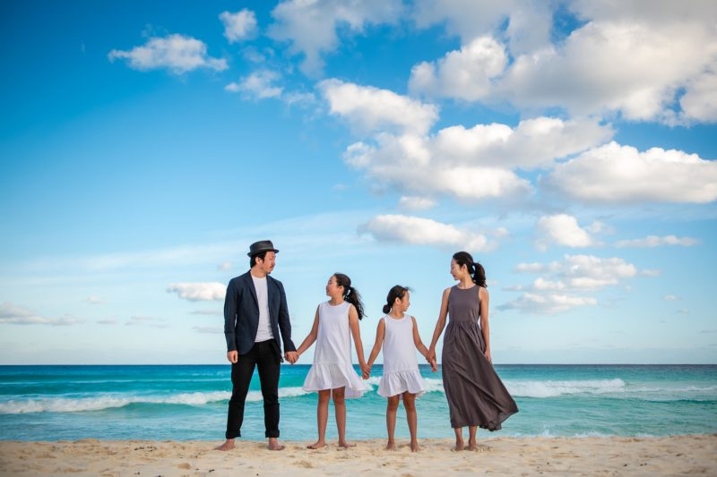 Marriot Cancun Family Photo Session