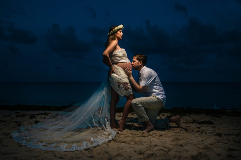 Aqua Hotel Cancun Pregnant Session